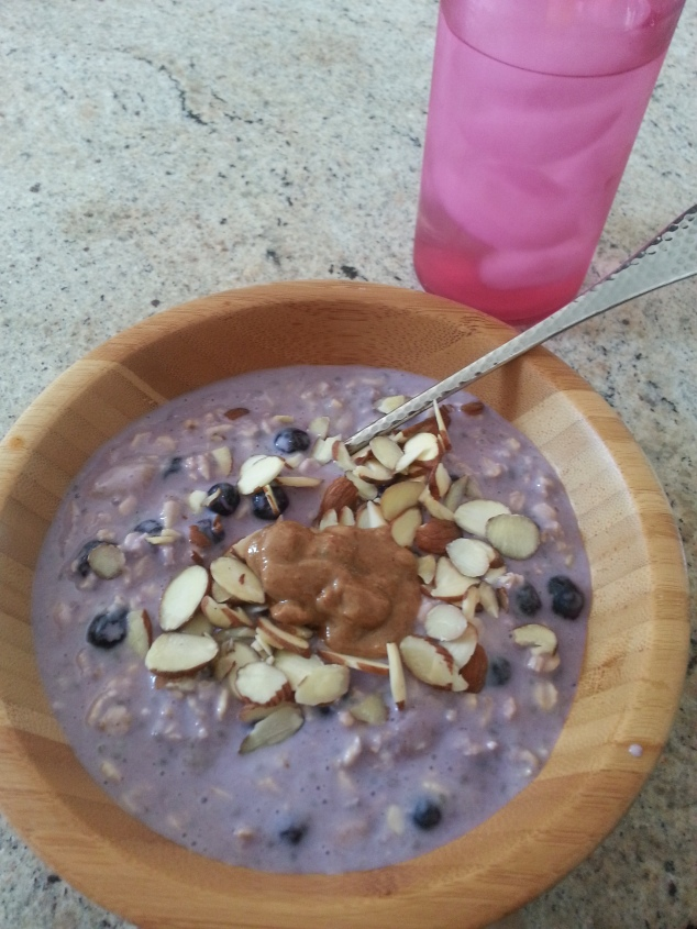 blueberry almond overnight oats