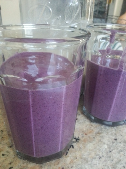 Cashew milk, blueberry smoothie