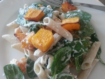 Pasta with roasted butternut squash, spinach and goat cheese