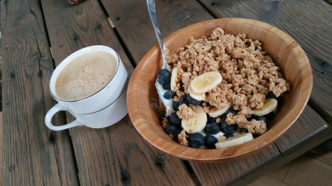 banana, blueberries, yogurt, granola