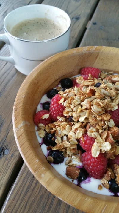 raspberry, blueberry, granola